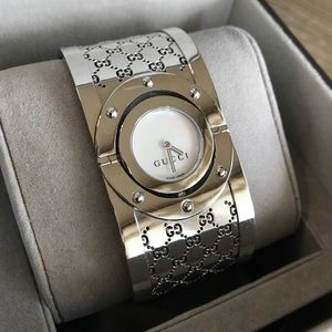 EUC Gucci Twirl Mother of Pearl Steel Watch